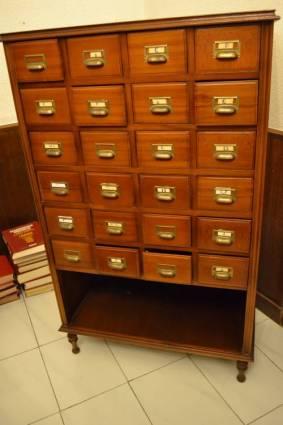 Mueble fichero de madera a os 20 coleccionismo portal for Mueble fichero